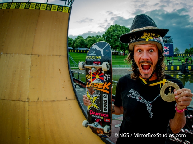 Bucky Lasek wins Gold and very kindly gave ESPN's Nick Guise-Smith a WORLD EXCLUSIVE PHOTO