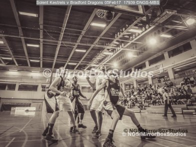 Solent Kestrels NBL Division 1 - 5 February, 2017 - Fleming Park Leisure Cent. : Waiting for the rebound during match against Bradford Dragons (Photo by NGS/MirrorBoxStudios)