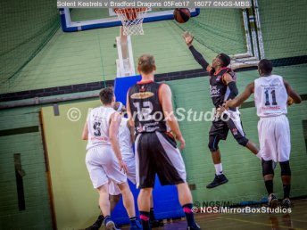 Solent Kestrels NBL Division 1 - 5 February, 2017 - Fleming Park Leisure Cent. : Bradford Dragons attack (Photo by NGS/MirrorBoxStudios)