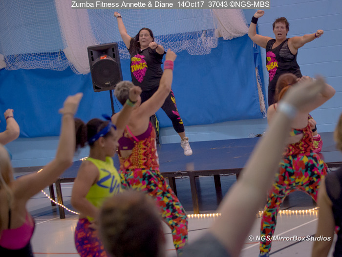 Zumba fitness annette diane mirror box studios live for Mirror zumba