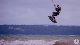 Kite Surfers 8 08 2018 Hill Head : (Photo by Nick Guise-Smith / MirrorBoxStudios)