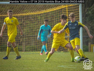 Hamble Yellow v 07 04 2019 Hamble Blue : (Photo by Nick Guise-Smith / MirrorBoxStudios)